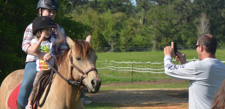 Easter 2015, Queen gives pony rides